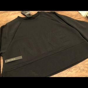 BRAND NEW Nike Cropped Dri-Fit Sweatshirt (XS)